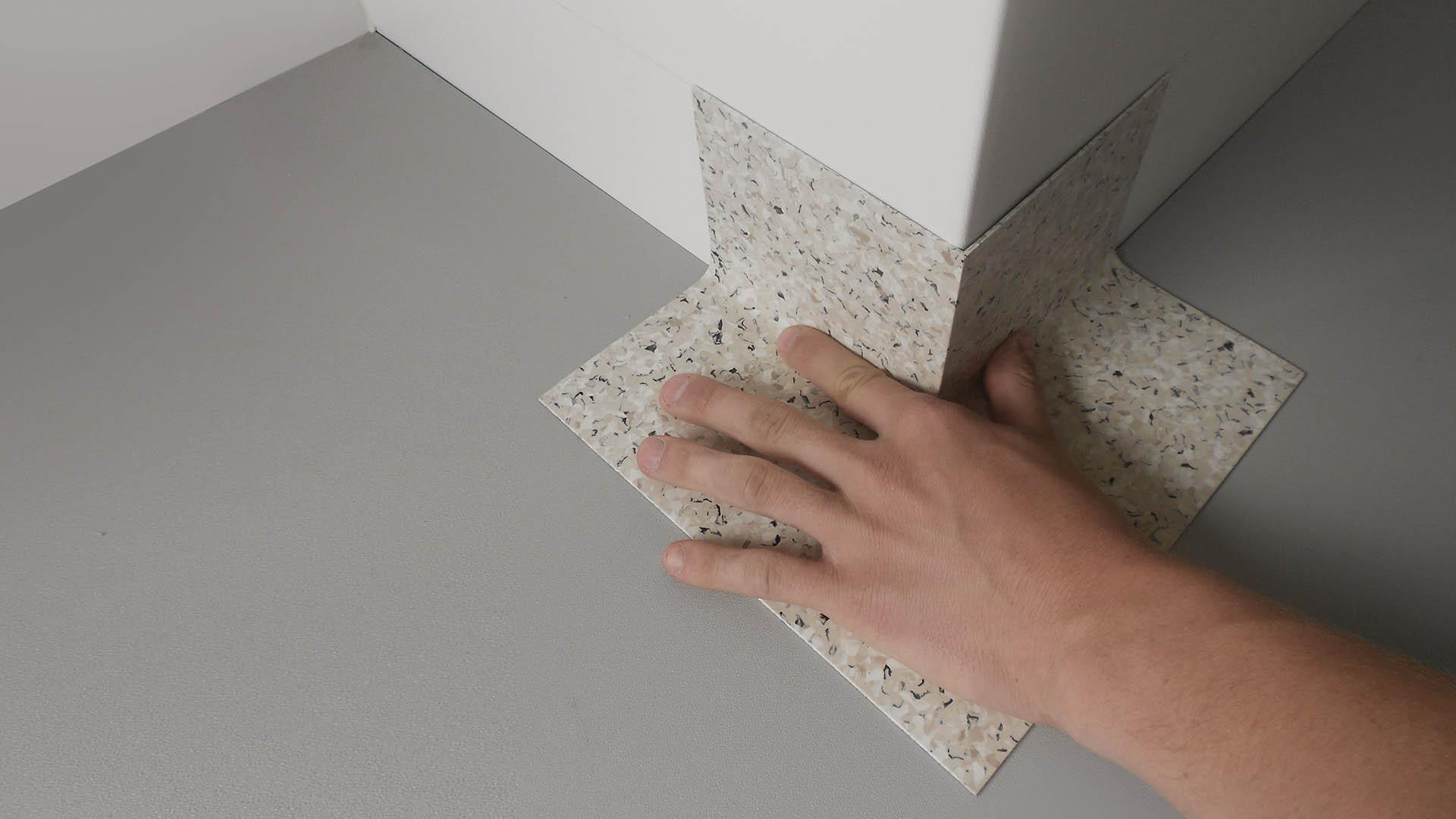 PROFIL Kunststoff GmbH - graue Fertigecke bei der Einzelverlegung an einer Säule - SLIDER